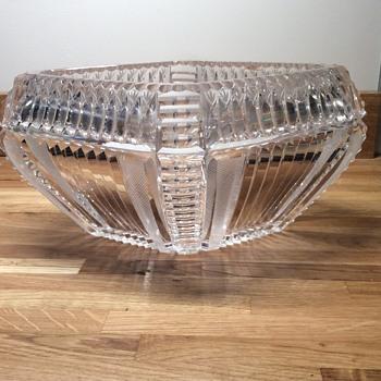Crystal boat shaped bowl - Glassware
