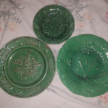 Antique Victorian green plate  - Pottery