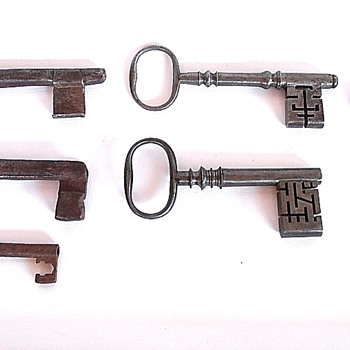 Antique keys? - Tools and Hardware