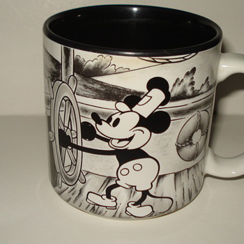 BLACK AND WHITE MICKEY MOUSE COFFEE CUP - Kitchen