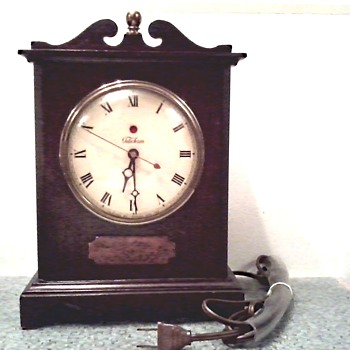 "Warren Telechron Co. Electric Mantel Clock / Model 4H99 ""The Knickerbocker"" Circa 1939-44"