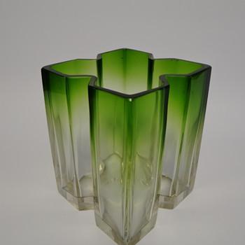 Loetz - Marie Kirschner - Blattgrün verlaufend - Art Glass
