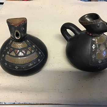 TWO LOVELY ENAMELLED SMALL JUGS IN MATT BLACK - Pottery