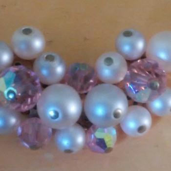 Laguna costume earnings   - Costume Jewelry