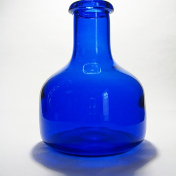 ERIK HOGLUND  FOR  BODA -SWEDEN  - Art Glass