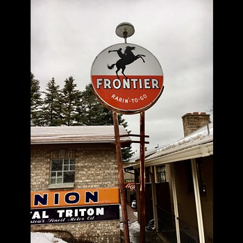 Frontier Sign pole - Signs