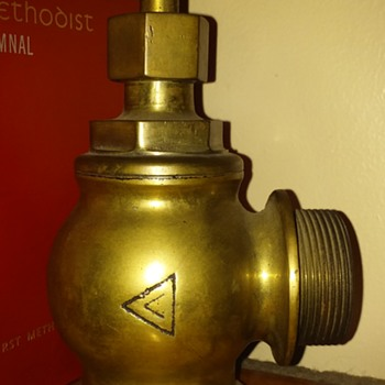 ca. 1921 brass fire-hose water valve - Firefighting