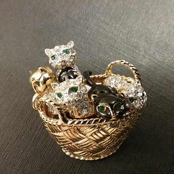 Carolee basket of kittens brooch  - Animals