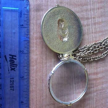Gold Magnifying Glass Pendant + chain - Fine Jewelry