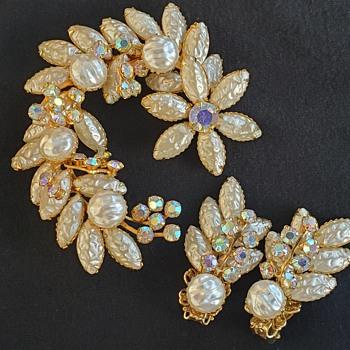 Beau Jewels Brooch & Earrings  - Costume Jewelry