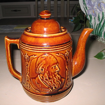 Antique Teapot - China and Dinnerware