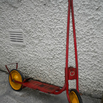 Raleigh Spinner Scooter - Toys