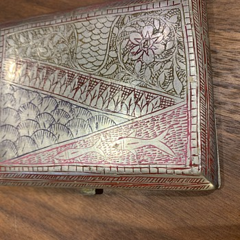 Silver carved antique cigarette case - Silver