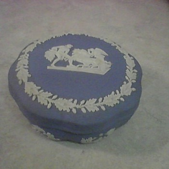 WEDGWOOD POWDER BOX