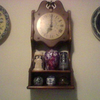 NEW ENGLAND SHELF CLOCK - Clocks