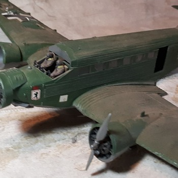 Junkers Junk Model JU 52 1/72 Scale Model World War II German Tri-Motor Transport - Toys
