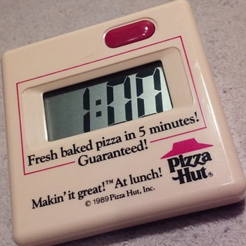 "PIZZA HUT 5-minute ""lunch timer""  - Advertising"