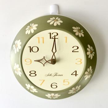 Seth Thomas Wall Clock with Daisy Pattern - Clocks