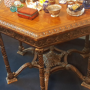 Ornate 6 sided Italian table - Furniture