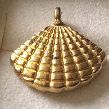 Vintage. Pendant - Costume Jewelry