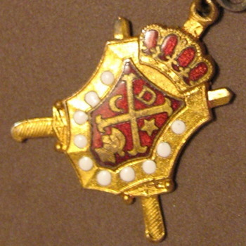 Vintage DEMOLAY Masonic Pin attached to Peoria HS Pin - Medals Pins and Badges