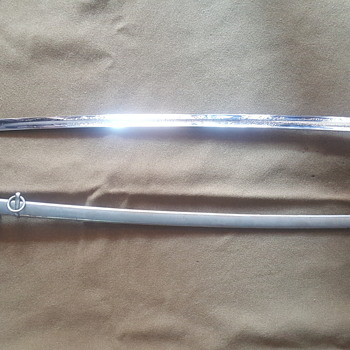 Can this 1902 sword be dated.... solved