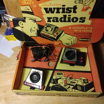 Remco Dick Tracy Two Way Wrist Radios - Toys