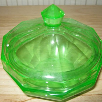 1920s/30s Glass Bowl Uranium Glass !