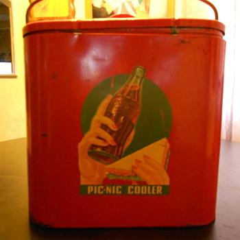 6 pk pic-nic cooler. - Coca-Cola