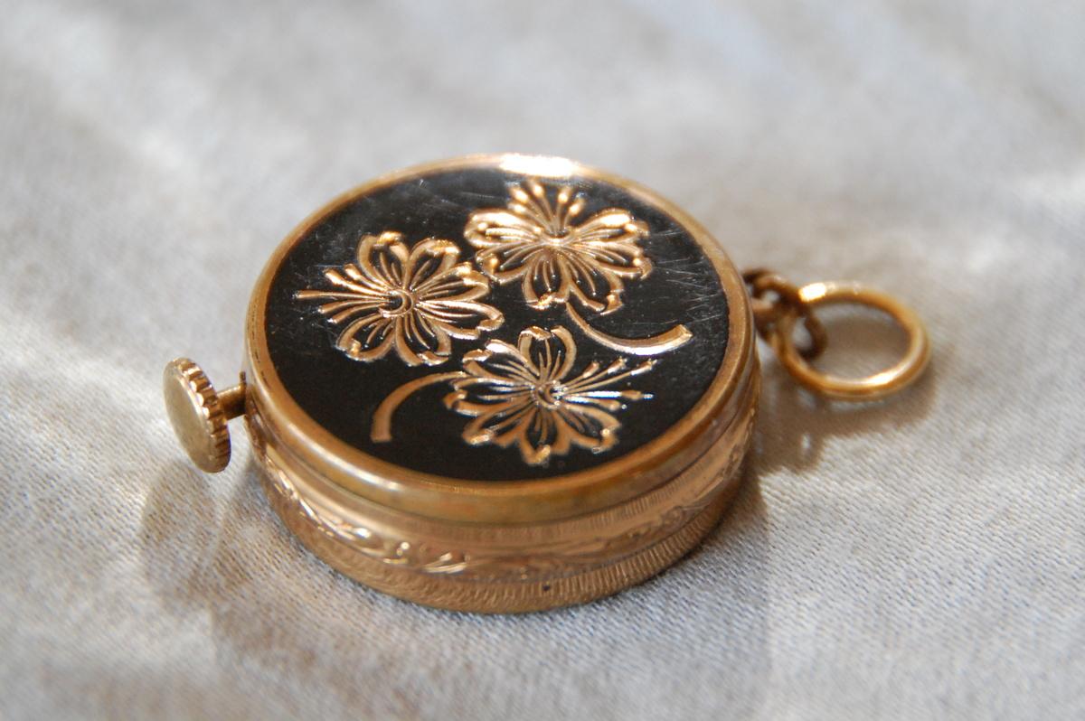 Music box pendant collectors weekly aloadofball Images