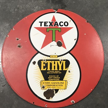 Texaco Red gas pump island sign  - Petroliana