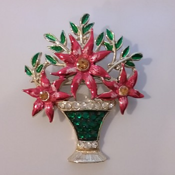 Weiss poinsettia basket brooch  - Costume Jewelry