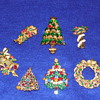 Christmas brooch lot