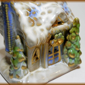 Little Christmas House - Ceramic ( Unknown Maker ) - Christmas