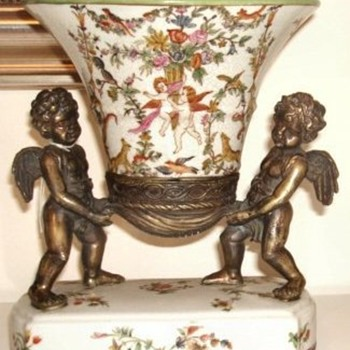 Wong Lee Chinese reproduction cherub vase centrepiece - Pottery