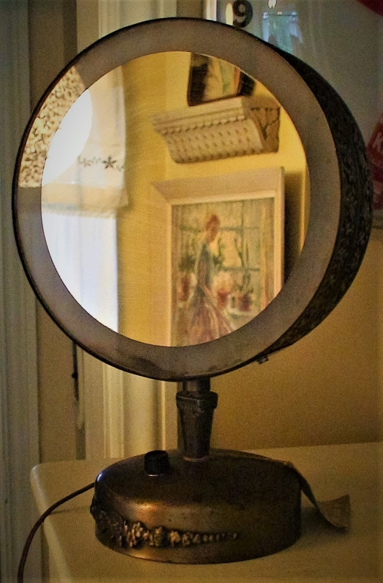 Quot The Starlet Quot Casco Vintage Lighted Make Up Mirror 1950s
