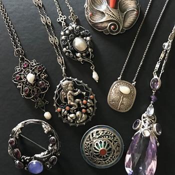 Arts & Crafts, Art Nouveau & Jugendstil jewels - Fine Jewelry