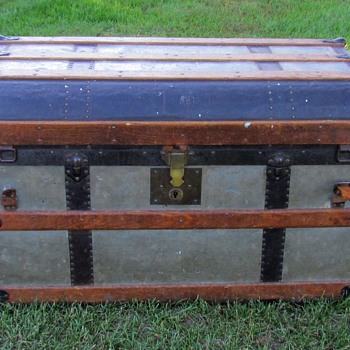 "1870's D.D. Whitney & Co. Minneapolis Minnesota / 32"" Pure Zinc Flat Top Trunk  - Furniture"