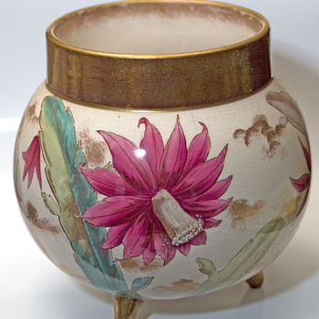 Adderley Jardiniere bone China vase - Pottery
