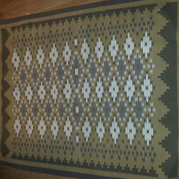 Question of rug origin and Pattern name - Native American