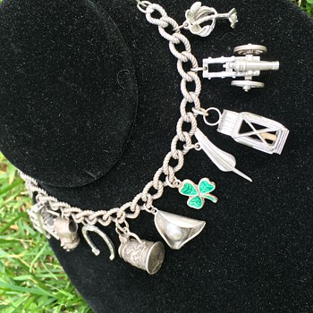 Vintage Colonial Williamsburg Sterling Silver Mechanical Charm Bracelet  - Fine Jewelry