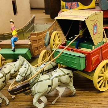 Horses with carriage. Fabulous condition.  - Animals