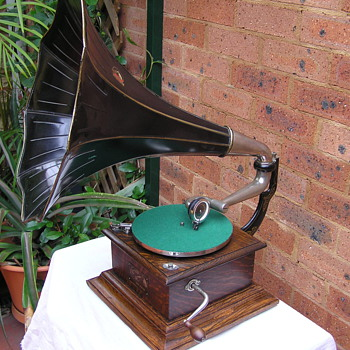Victor 1 C 1909  The US  His Masters Voice - Records