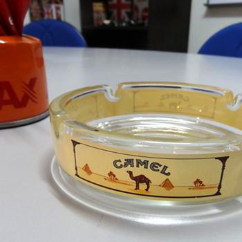 Nice NoS Camel branded glass ashtray - Tobacciana
