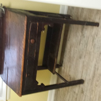 Early 1900s desk? - Furniture