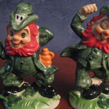 St Patricks Day Leprochans (sp?)  OLD!  - Pottery