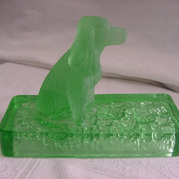 Green GLASS Paperweight DOG Cocker Spaniel  MYSTERY - Art Glass