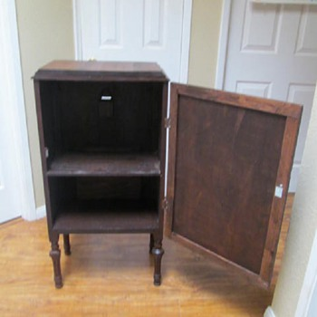 1920s RADIO CABINET - POST #7 OF 7