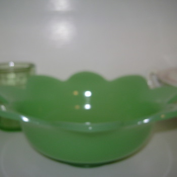 Green Glass Bowl??? - Art Glass