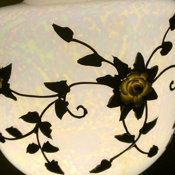 Vintage globe - looks like an opal - Lamps